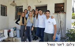 ביתו של הקשיש נהרס, הסטודנטים נרתמו לעזור לו