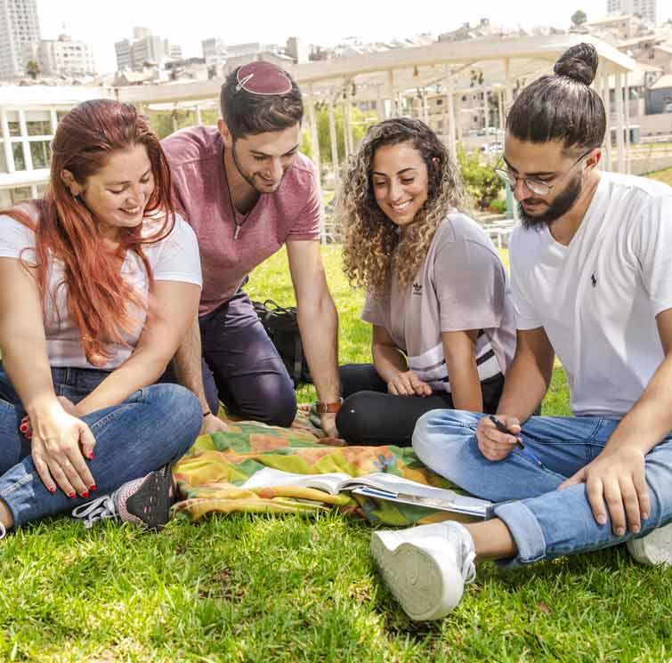 חוג לאחר תואר במדעי המחשב לאקדמאים בעזריאלי מכללה להנדסה ירושלים