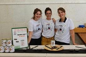 סטודנטים למדעי המזון מציגים את מאכלי העתיד