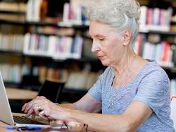 בת 92 היא הסטודנטית הכי מבוגרת במכללה